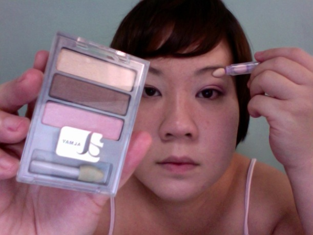 Step 7 - ALMAY Intense i-Color (Apply BEIGE on browbone, under brow area)
