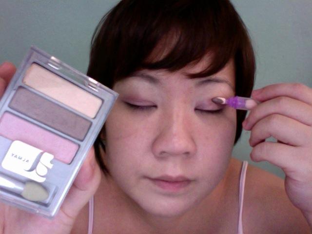 Step 8 - ALMAY Intense i-Color (Apply BROWN along the crease)