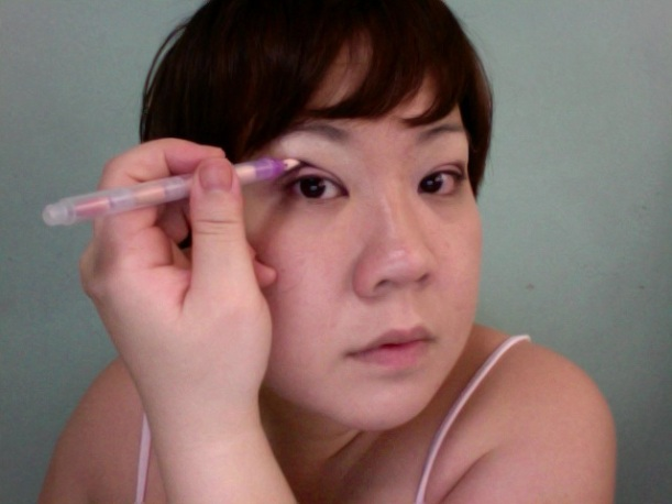Step 8 - ALMAY Intense i-Color (Use a smaller applicator or a Q-Tip to trace your crease)