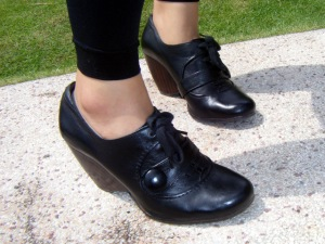 Clarks Wedge Heel Lace-up Oxfords