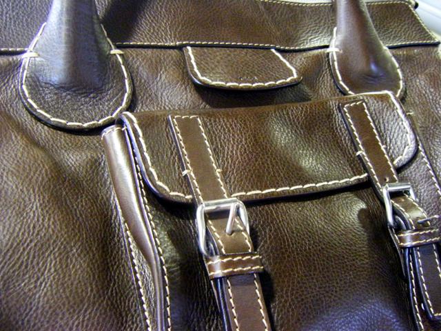 Lishan's sister's bag actually
