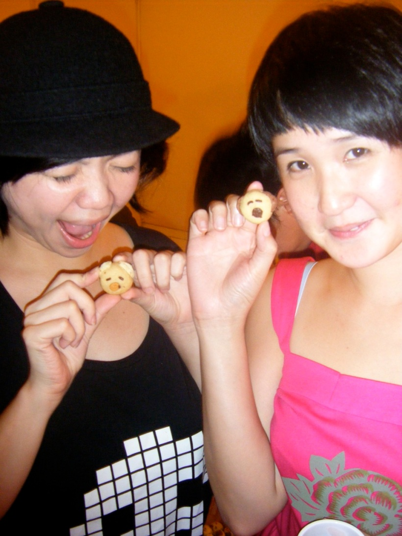 Cherry & Natalie with the adorable & yummy puppy cookies Stella baked