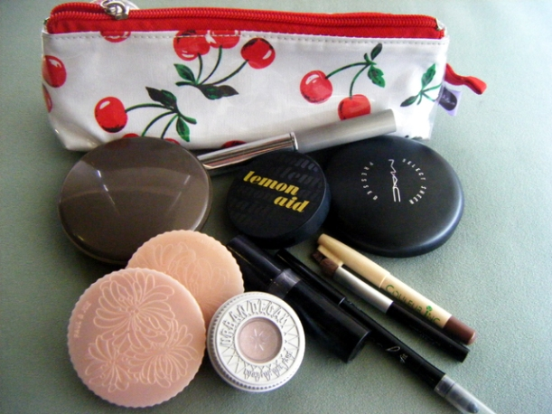 Contents of my make-up pouch (Dec 09)