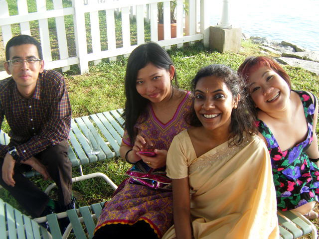 Kim Seng, Tamares, Rajeshwari & I - frolicking by the shoreline!