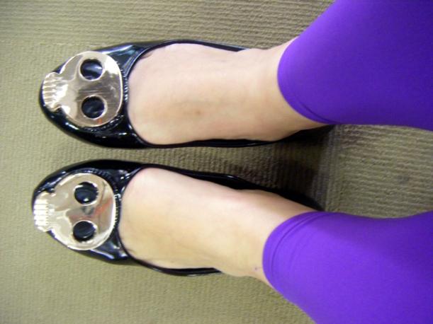 Skull Head Shoes & Purple tights!