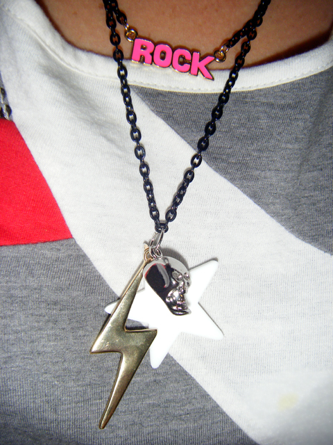 """Rock"" novelty necklace from DIVA"