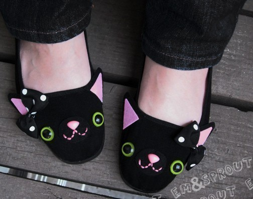 Happy Kitty Mary Jane Shoes - size 7