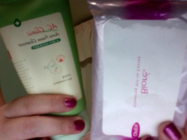 Biore Cleansing Oil-in-Cotton wipes & Etude House AC Clinic Acne Foam Cleanser