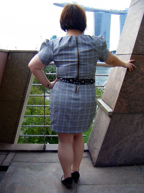 Back view... I like puffy sleeves & exposed zip details