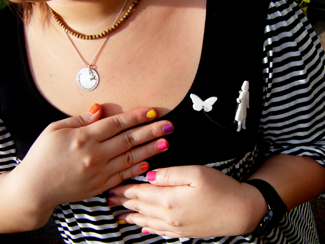 A close-up of my fancy nails & accessories!