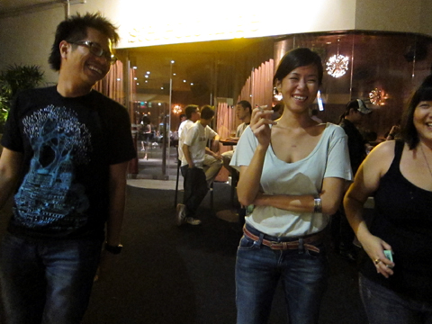 Por, Ci'en & Shu having a laugh whilst smoking