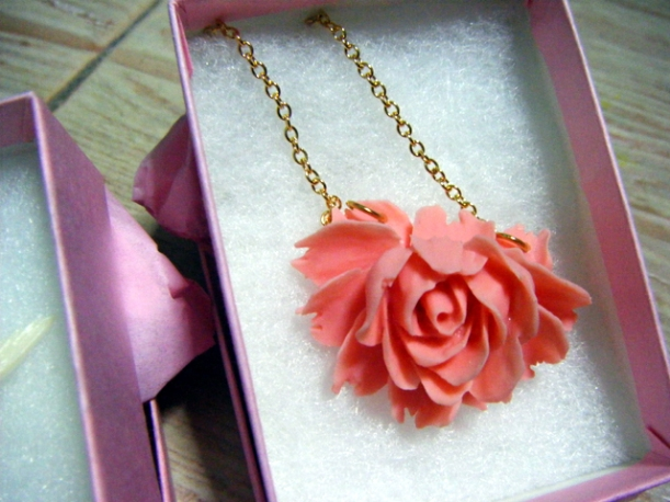 You'll Make Me Blush Rose Necklace