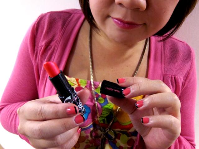 Hello Kitty MAC Glaze Big Bow lipstick