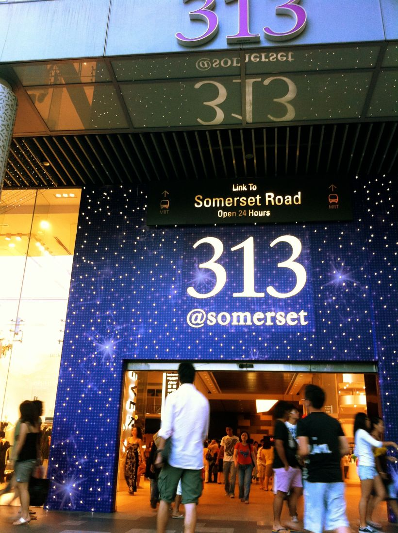 313@Somerset is a HUUUUUUUGE mall and frankly, I'm scared of it