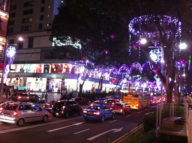 The Christmas lights are up along Orchard Road!!