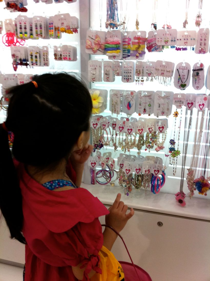 Shopping for accessories is too fun! Amber even bought a necklace for Trisha