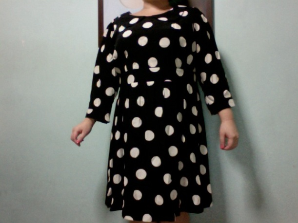 The Beth Ditto Black and Ivory Spot Dress was too loose in many places