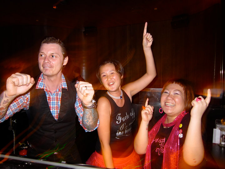 Richard Jones (Stereophonics) in the DJ booth with Pixiedub & Chloe Masada!