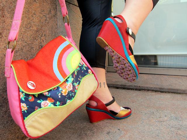 Cute details!! Shoes & bag