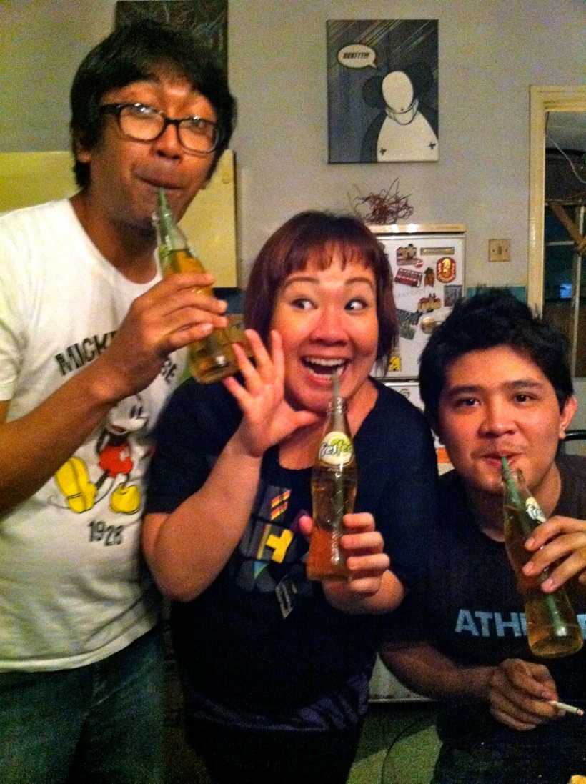 Marin, I and Fitrah endorsing FRESTEA (Teh Botol's competitor)