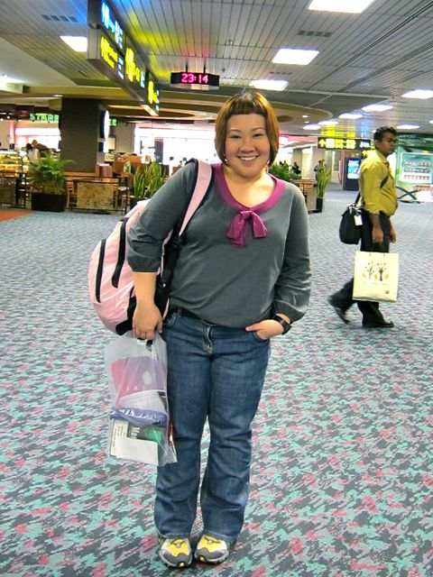Faux pas. What I used to wear on flights. Jeans, long sleeved tops, sneakers.